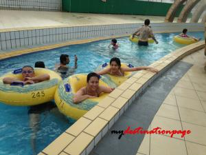 Jurong_East_Swimming_River_pool3