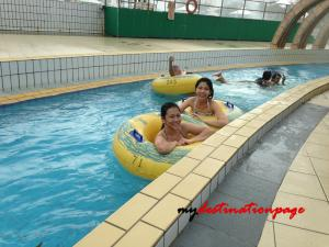 Jurong_East_Swimming_River_pool4