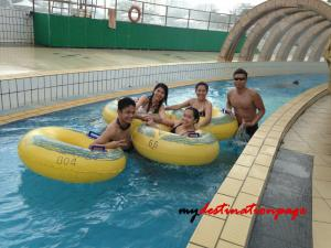 Jurong_East_Swimming_River_pool6
